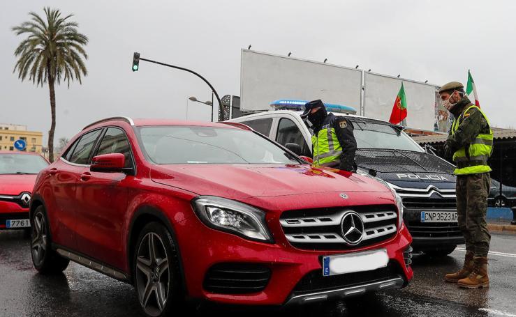 Controles de la Policía y el Ejército en Valencia para evitar viajes a segundas residencias