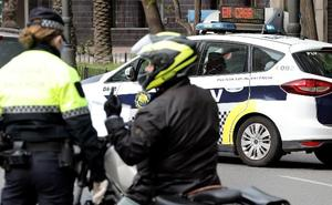 Detenido un traficante con cocaína en Nazaret cuando se desplazaba en un taxi para venderla a domicilio