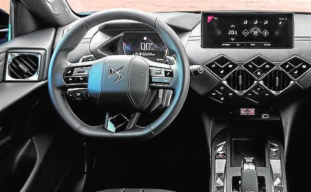 Interior premium repleto de equipamiento.