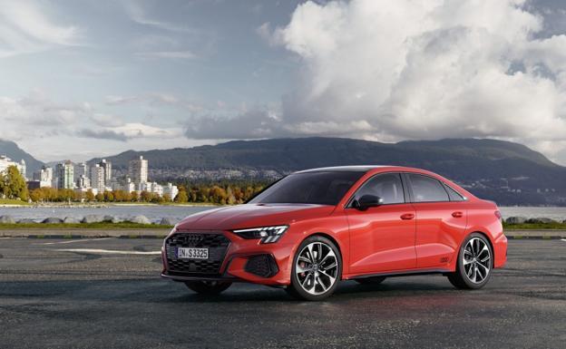La carrocería Sedán del nuevo Audi S3 se distingue claramente por su maletero separado.