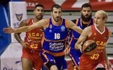 El Valencia Basket sigue lanzado y arrolla al UCAM Murcia