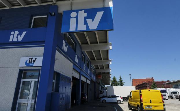 La OCU denuncia una 'trampa' con los nuevos plazos de la ITV