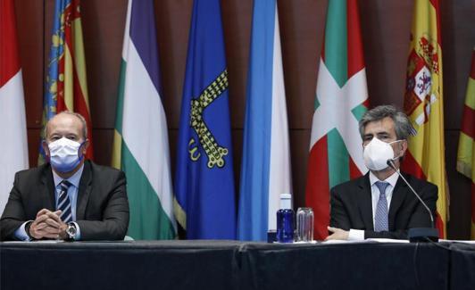 El ministro de Justicia, Juan Carlos Campo, y el presidente del CGPJ, Carlos Lesmes. /Efe