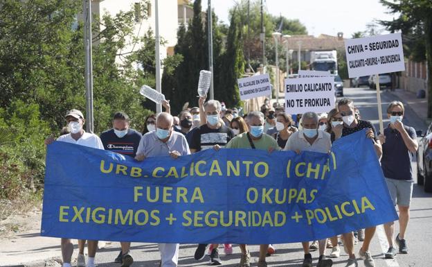 «En Calicanto tenemos muchos más okupas que policías»