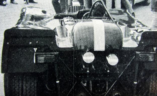 El Porsche de la Solar Productions, con sus dos cámaras en la parte trasera