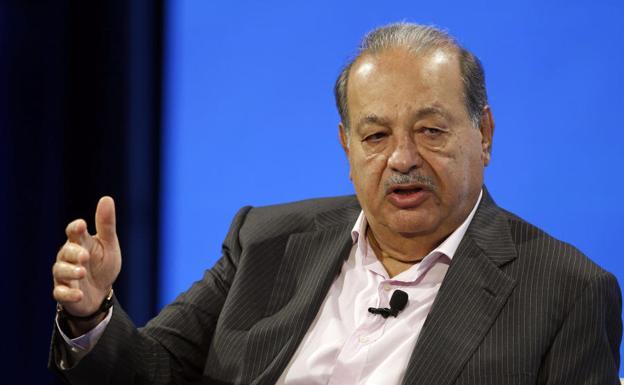 La receta del millonario Carlos Slim para España: jubilación a los 75 años y jornada laboral de once horas tres días a la semana