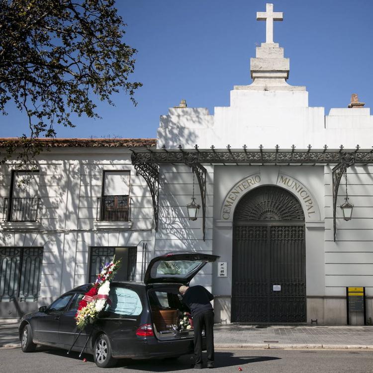 Horarios especiales de los cementerios de Valencia por Todos los Santos