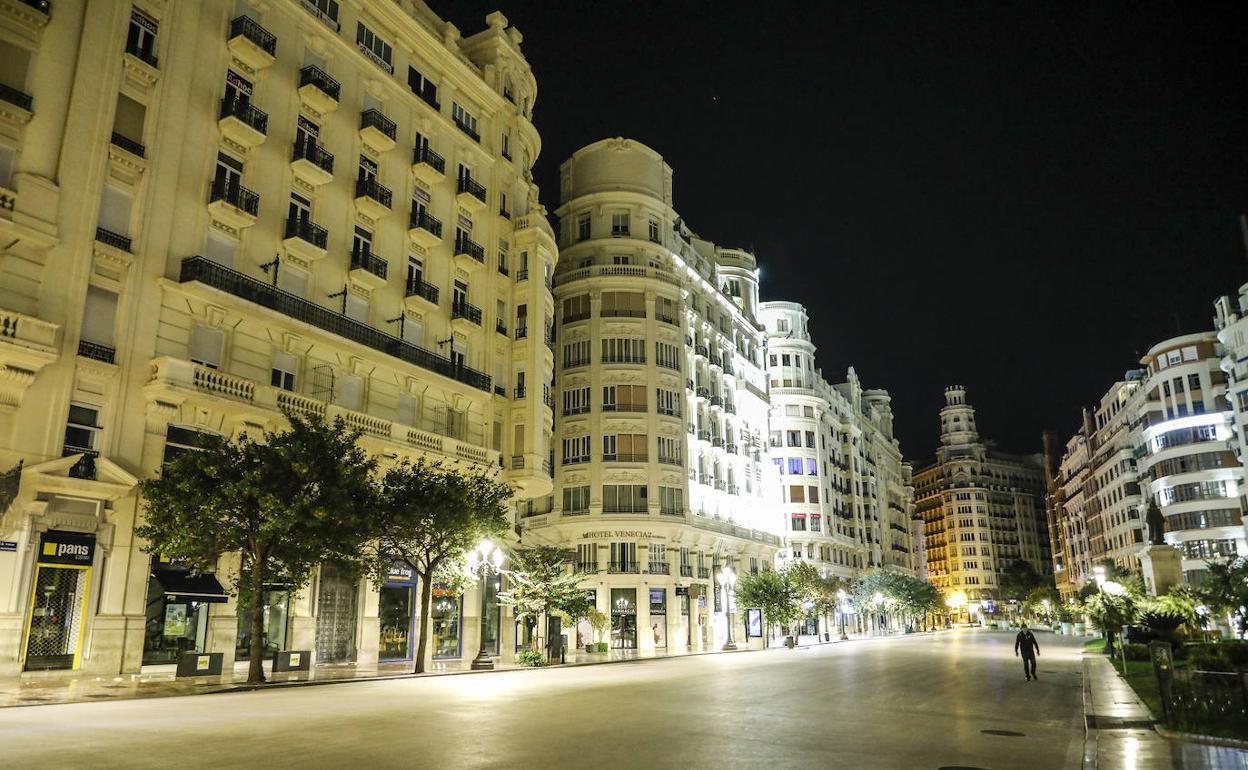 Toque De Queda Y Estado De Alarma En Valencia Valencia Se Vacía En La Primera Noche Del Toque De Queda Las Provincias
