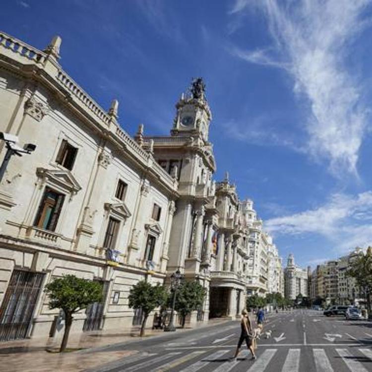 Valencia reclama a Sanidad los positivos por distritos