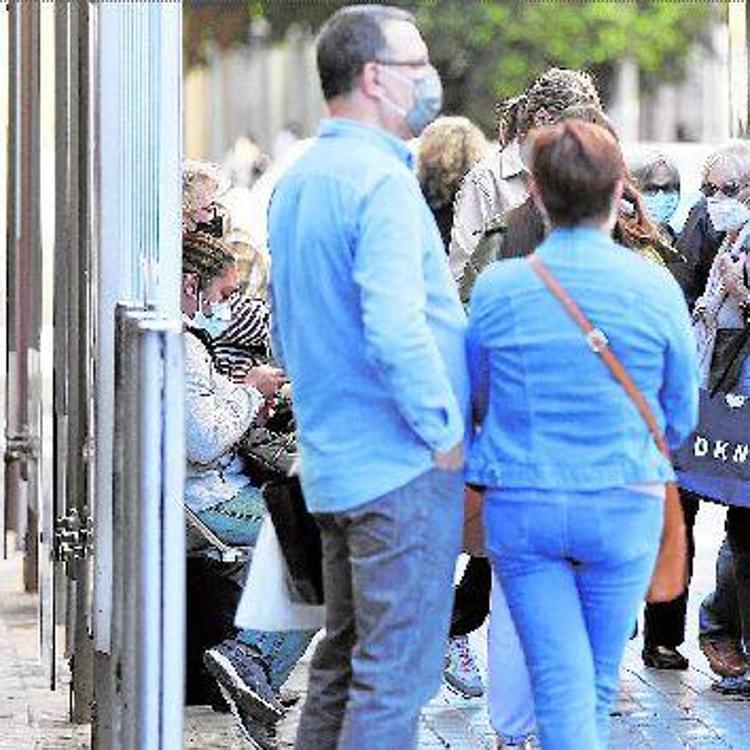 Ribó descarta reforzar la EMT tras las aglomeraciones en las paradas
