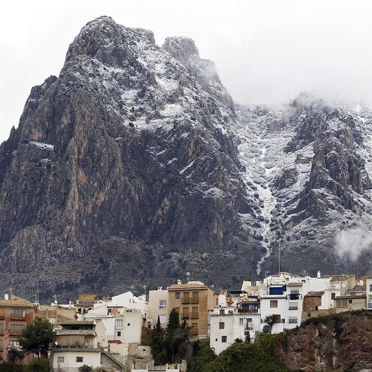 Un escalador de 43 años, rescatado en helicóptero y en estado grave del Puig Campana