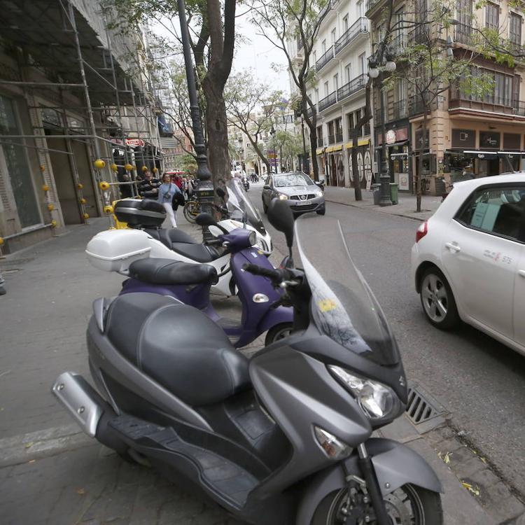 El Ayuntamiento de Valencia empieza a controlar los accesos a Ciutat Vella y multará a partir de abril