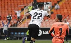 Vídeo   Gol de Maxi Gómez (2-0) en el Valencia-Valladolid (3-0)