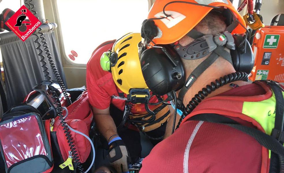 Un ciclista tiene que ser evacuado en helicóptero tras sufrir una caída en un barranco de Aspe
