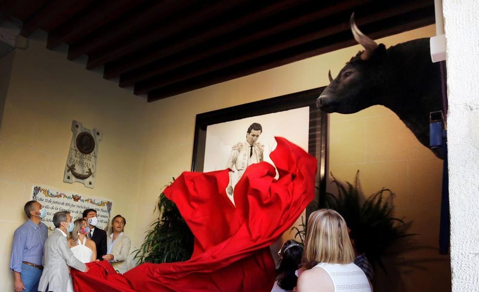 Alicante homenajea al maestro Manzanares en el 50 aniversario de su alternativa