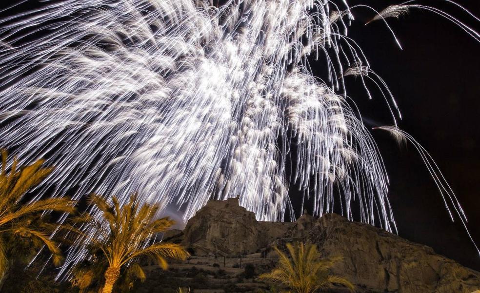 Alicante descarta la Palmera de la Nit de la Cremà para evitar aglomeraciones y pone fin a una tradición casi centenaria