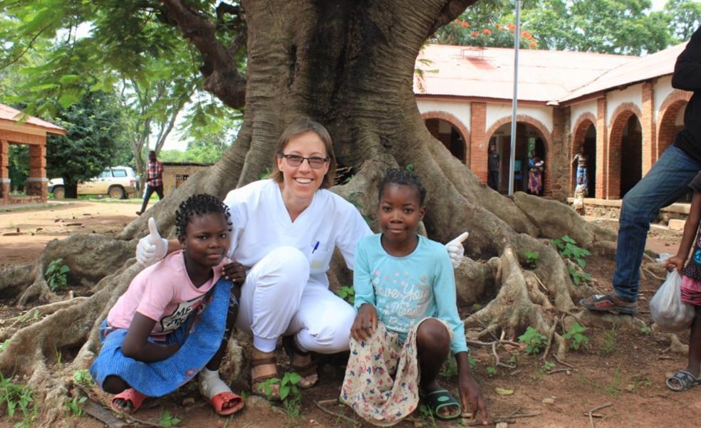Prótesis valencianas para luchar contra la lepra en Camerún