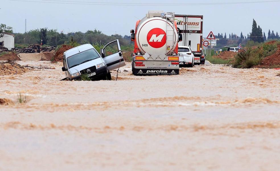 La AP 7, cerrada entre Tarragona y Castellón por inundaciones