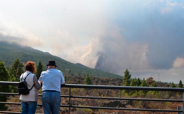 Expertos descartan peligro de volcanes en Valencia / EFE / Miguel Calero