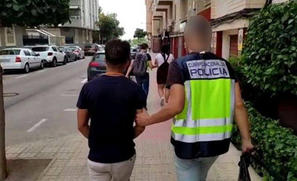 Cae un grupo en Alicante dedicado a ocupar viviendas para alquilarlas después