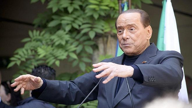 Berlusconi, indignado por el 'complot' desvelado contra él