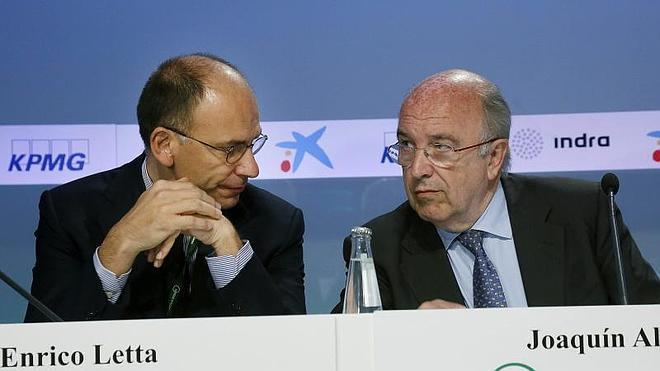Almunia lanza una advertencia: «La crisis no se ha acabado»