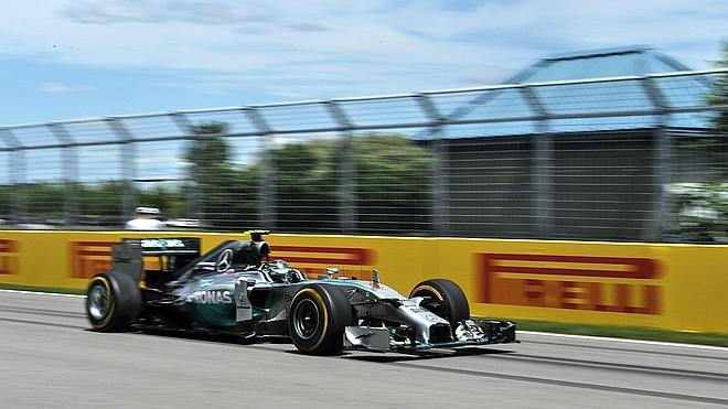 Rosberg se cuela en 'casa Hamilton'