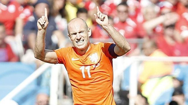 Robben conduce a Holanda