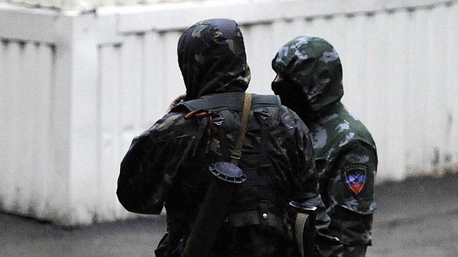 Los separatistas prorrusos se hacen con el control de una base militar en Donetsk