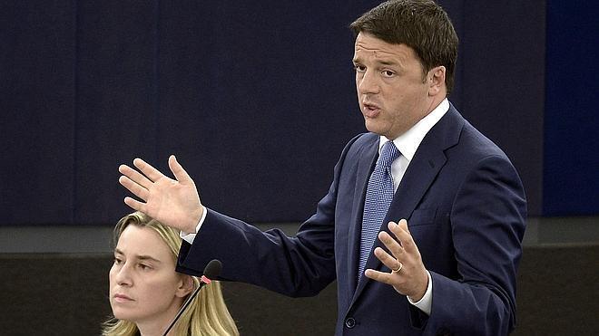 Renzi, ante la Eurocámara: «Sin crecimiento, Europa no tiene futuro»