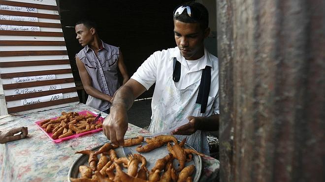 La OMS pide a Cuba que frene la comida basura en el proceso de reformas