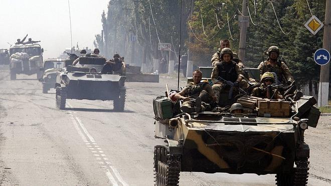 Fuerzas ucranianas atacan con artillería pesada el centro de Donetsk