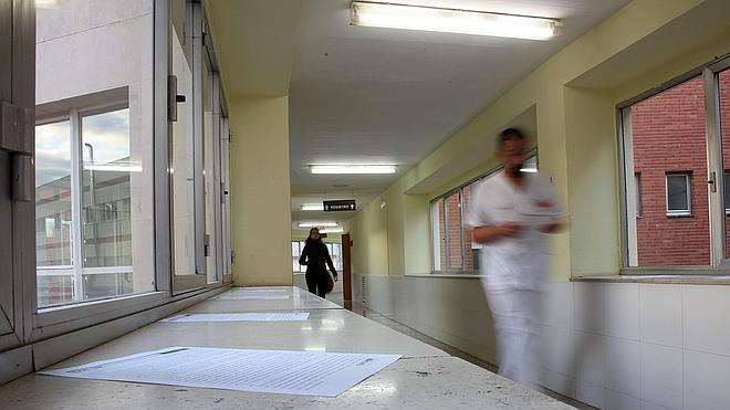 Facua denuncia a otros cuatro hospitales públicos por ceder datos a centros privados