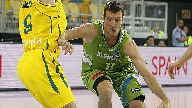 Dragic: «La FIBA debería hacer algo tras lo visto en el Australia-Angola»