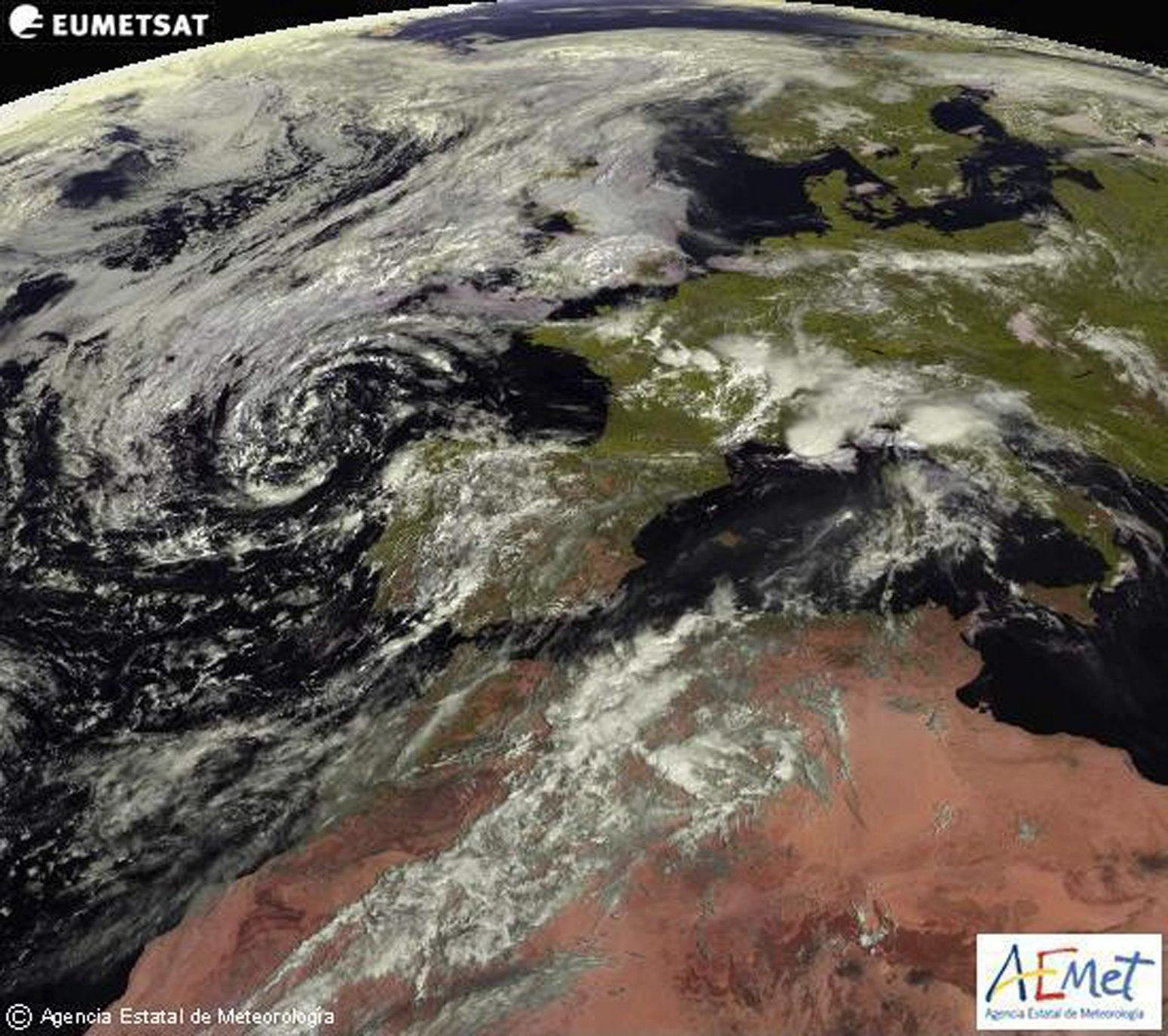Media España en alerta por fuertes lluvias y tormentas