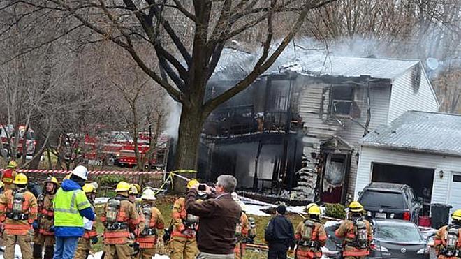 Seis muertos al chocar una avioneta con una casa a las afueras de Washington