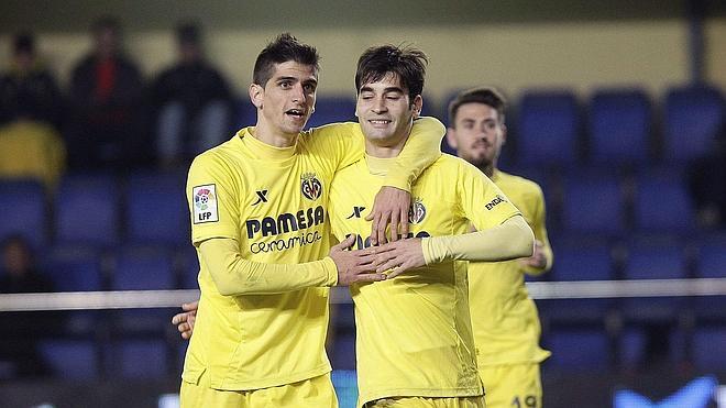 El Villarreal supera a un combativo Cádiz y pasa a octavos