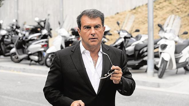Cuatro de cada diez barcelonistas quieren que Laporta vuelva