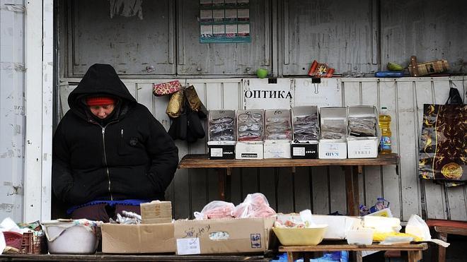 La economía ucraniana se desploma por la guerra en el este del país