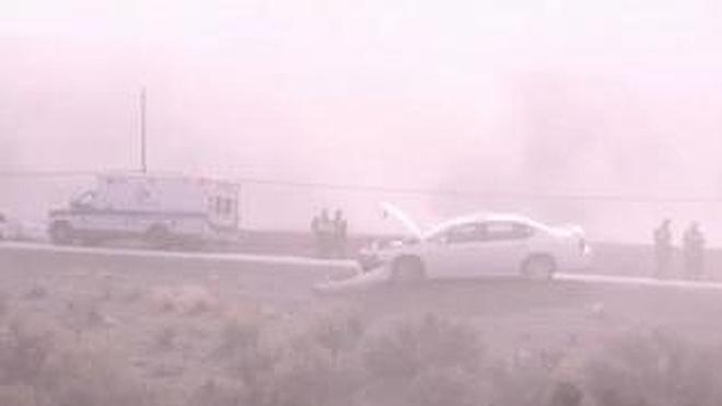 Una tormenta de polvo 'ciega' a decenas de conductores en Nevada