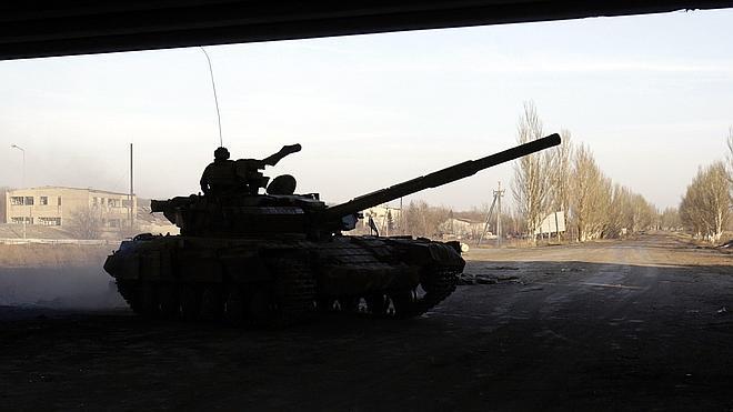 Los prorrusos presionan a Kiev para que retire su armamento pesado