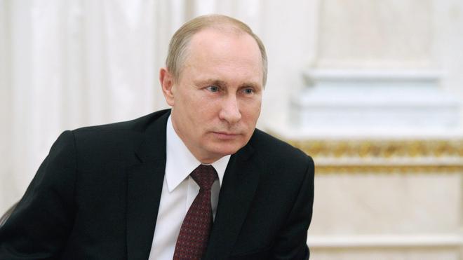 Putin ordenó «traer Crimea de vuelta a Rusia» el mismo día que huyó Yanukóvich
