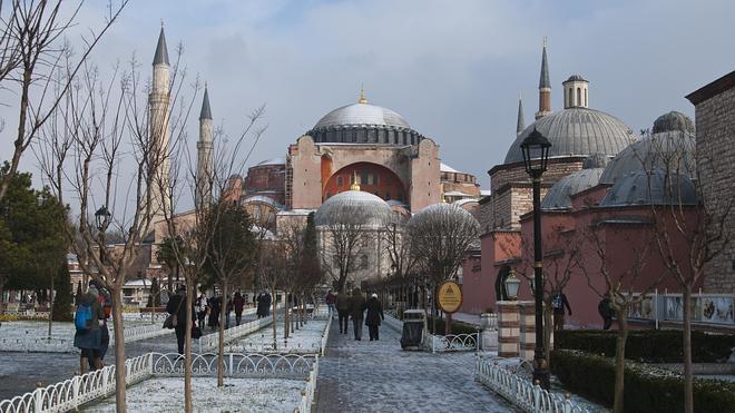 Estambul, a tientas entre dos mundos