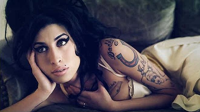 La familia de Amy Winehouse critica el documental sobre la cantante