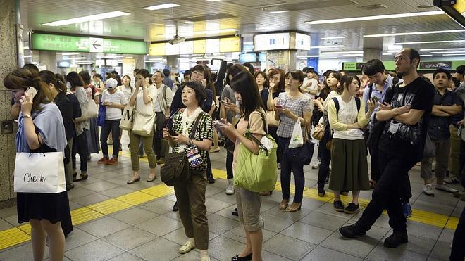 Un terremoto de 8,5 grados en alta mar golpea Japón sin alerta de tsunami