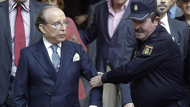 El juez rechaza dejar en libertad a Ruiz-Mateos por «reincidente y peligroso»