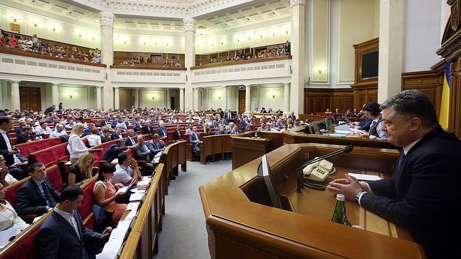 Kiev concede mayor autonomía a las regiones separatistas prorrusas