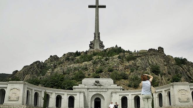 Carmena propone llamar al Valle de los Caídos el Valle de la paz