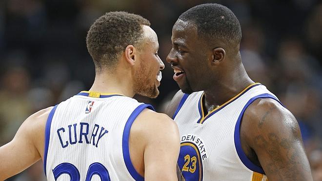Los Warriors empatan la marca histórica de victorias y rompen racha a los Spurs