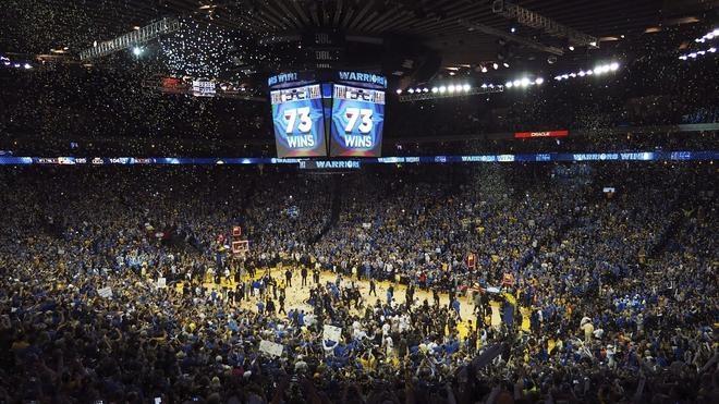 Curry y los Warriors hacen historia